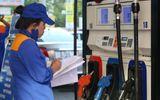 Giá xăng bán lẻ đứng trước cơ hội giảm mạnh