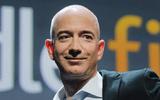 """Kinh doanh - Ông chủ Amazon """"vượt mặt"""" Bill Gates trở thành người giàu nhất thế giới"""