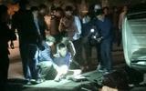 Cảnh sát nổ súng bắn thủng lốp xe Fortuner chở 100 bánh heroin