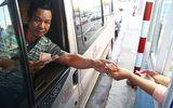 Tin tức mới vụ tài xế lấy từng tờ 200, 500 đồng mua vé trạm thu phí Cai Lậy