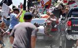 Mỹ: Nhân chứng kể lại vụ xe điên đâm đoàn biểu tình khiến 20 người thương vong