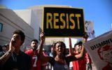 Tin thế giới - Biểu tình lớn khi Donald Trump đến Arizona