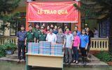 Truyền thông - Thương hiệu - Trao tặng 30 tấn sữa cho các trường học trong vùng mưa lũ