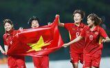Chuyển hết tiền thưởng từ đội nam sang, tuyển bóng đá nữ Việt Nam nhận gần 4 tỷ đồng