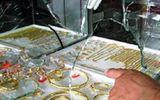 Người bán vé số vác dao đi cướp tiệm vàng giữa trưa