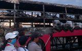 Xe khách giường nằm bốc cháy, 30 hành khách hoảng loạn