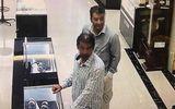 """Vờ mua hàng, hai khách Tây """"chôm"""" đồng hồ vàng hơn 200 triệu"""