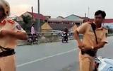 Bị chống đối, cảnh sát giao thông rút súng để