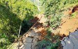 Đường sạt lở, sâu 7 m khiến một huyện ở Yên Bái bị chia cắt