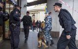 """Tin thế giới - Bí ẩn kẻ giấu mặt """"khủng bố điện thoại"""" hoang tin đánh bom ở Nga"""