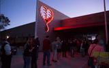 Dân Mỹ xếp hàng cả đêm chờ hiến máu cứu nạn nhân vụ xả súng ở Las Vegas