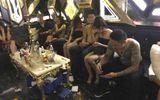 """Đột kích nhà hàng, hơn 100 nam nữ đang """"thác loạn"""" trong tiếng nhạc chát chúa"""