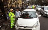 """Xử lý triệt để tình trạng taxi dù """"chặt chém"""" du khách"""