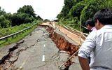 Quốc lộ 28B bị sụt lún nghiêm trọng sau mưa lớn