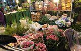 """Kinh doanh - Cận kề 20/10, giá hoa tươi ở hoa Quảng An tăng """"chóng mặt"""" vì khan hàng"""