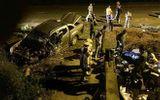 Chạy trốn  CSGT, ô tô bán tải mang biển số giả nát đầu sau tai nạn