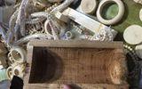 43kg đồ mỹ nghệ nghi làm từ ngà voi được giấu tinh vi trong các khúc gỗ