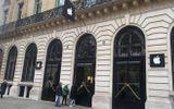 Apple Store ở Pháp vắng tanh trước khi iPhone X lên kệ