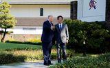 Tổng thống Trump chơi golf cùng Thủ tướng Shinzo Abe mở đầu chuyến thăm Nhật Bản