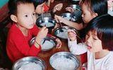 Vụ bữa ăn của trẻ mầm non chỉ có bún luộc: Nhà trường không bớt khẩu phần ăn