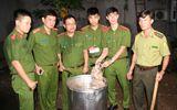 Cảnh sát nổ súng khống chế nhóm người nấu cao con hổ nặng hơn 200 kg