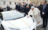 Được tặng siêu xe Lamborghini Huracan, Giáo hoàng Francis đấu giá từ thiện