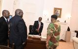 Tin tức - Linh mục Zimbabwe tiết lộ quá trình thuyết phục ông Mugabe từ chức