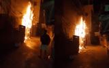 Hà Nội: Cả xóm tháo chạy vì cột điện phát nổ cháy giữa đêm