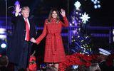Vợ chồng Tổng thống Trump lần đầu thắp sáng cây thông Giáng sinh ở Nhà Trắng