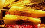 Có ai ngờ, ngô khoai nướng thơm lừng bằng than tổ ong đẫm chất độc