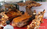 Gần 3 tỷ đồng cho một bộ bàn ghế gỗ Tứ Linh