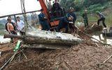 Hà Nội: Đi đào hến, phát hiện quả tên lửa của Mỹ còn nguyên ngòi nổ