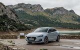 """""""Soi"""" Hyundai i30 Fastback giá từ 616 triệu đồng: Đối thủ mới của Toyota Corolla"""