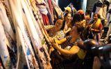 Thời tiết chuyển lạnh, người Sài Gòn đổ xô mua áo chống rét