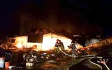 Cháy chợ giữa đêm, hơn 40 ki ốt bị thiêu rụi