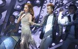 Chung kết Hoa hậu Hoàn vũ Việt Nam 2017: Giang Hồng Ngọc ngã đau vẫn bật dậy vừa hát vừa cười
