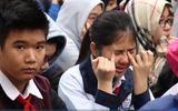 Bài giảng đặc biệt của thầy giáo khiến hàng trăm học sinh cùng thầy cô ôm mặt khóc nức nở