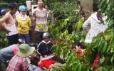Sửa máy bơm dưới suối, 2 thanh niên bị điện giật tử vong