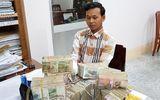 Người đàn ông Campuchia lén mang gần 1 tỉ đồng qua biên giới