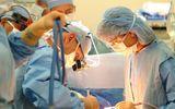 Đang phẫu thuật, bác sĩ đòi bệnh nhân phải trả thêm tiền cho thủ thuật bổ sung