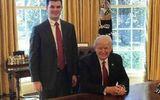 Chân dung vị trợ lý vừa tốt nghiệp đại học trong chính quyền Tổng thống Trump