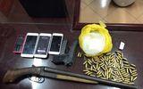CSGT phát hiện ma túy đá, súng cùng hàng trăm viên đạn trên ôtô