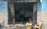 Tin tức - Cảnh sát giải cứu 2 người mắc kẹt trong căn nhà bốc cháy ở Sài Gòn
