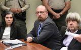 Tin thế giới - Cặp vợ chồng Mỹ đối mặt 94 năm tù do xiềng xích, bỏ đói 13 con ruột
