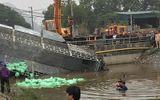 Tin trong nước - Xe tải lao xuống kênh, tài xế tử vong trong cabin