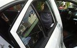Truy bắt 2 đối tượng khống chế tài xế taxi, cướp điện thoại