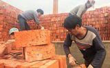 Tin thế giới - Công nhân Trung Quốc nhận gạch thay lương