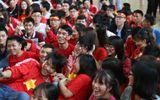 Sinh viên trường Bách Khoa cổ vũ đội tuyển U23 Việt Nam