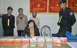 Cụ bà 64 tuổi vận chuyển gần 1 kg heroin giấu trong túi đồ cúng lễ