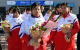 """Hai người đàn ông """"bí ẩn"""" trong phái đoàn Triều Tiên đến Hàn Quốc dự Olympic"""